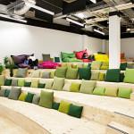 Auditorium dans les bureaux de Airbnb